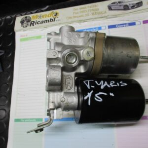 Toyota Yaris 1.5 Hybrid anno 2006 ABS 47070-12010 3 5 12 25 Q151